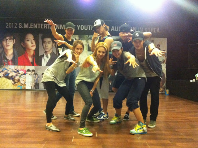 yoona-hyoyeon-yuri-with-smtown-artists
